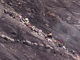 150 inzittenden, copiloot liet toestel moedwillig dalen