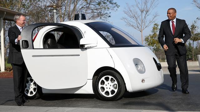 Zelfrijdende Google-auto's leren te toeteren