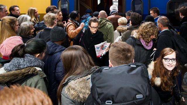 ConsumentenClaim vraagt om bewijs van overvolle NS-treinen