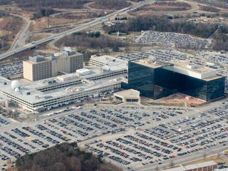 'Collega' van Snowden had topgeheimen naar huis meegenomen