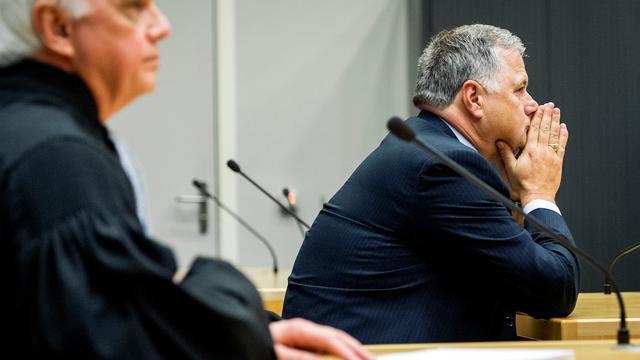 OM wil ruim half miljoen euro terug van oud-gedeputeerde Hooijmaijers