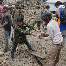 Dodental aardbeving Nepal voorbij 1.800