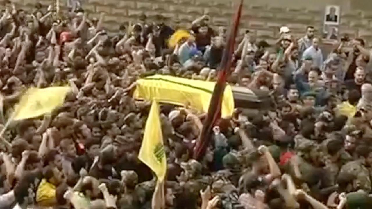 Grote drukte bij uitvaart hoge commandant Hezbollah