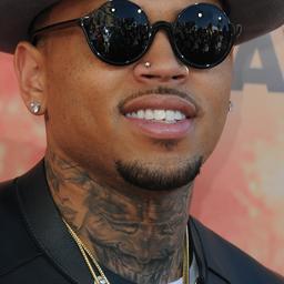 Chris Brown eist vaderschap bij de rechter