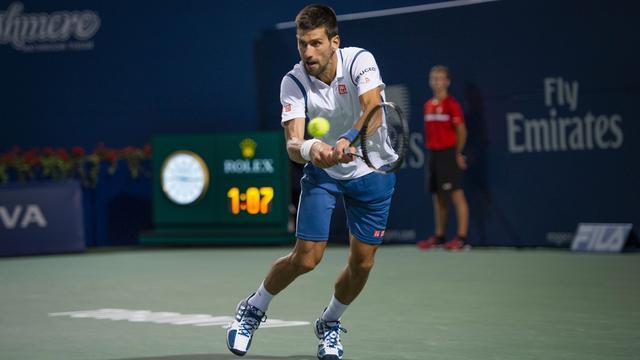 Djokovic en Nishikori naar finale Masterstoernooi Toronto