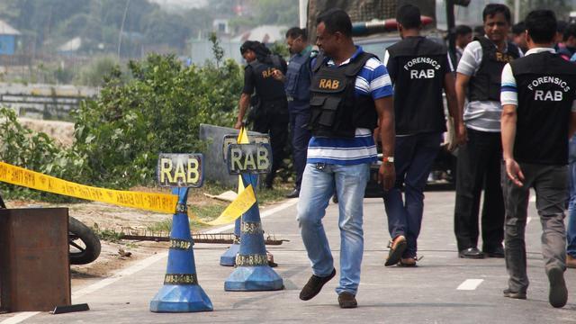 media.nu.nl/m/mbvxiobagay5_wd640.jpg/veel-doden-aardverschuiving-hevige-regen-in-bangladesh.jpg