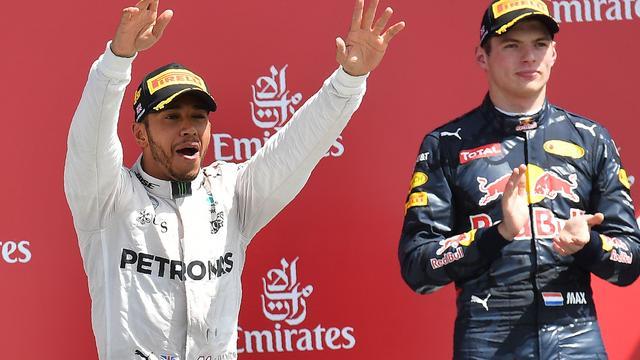 Hamilton noemt Verstappen coureur om rekening mee te houden