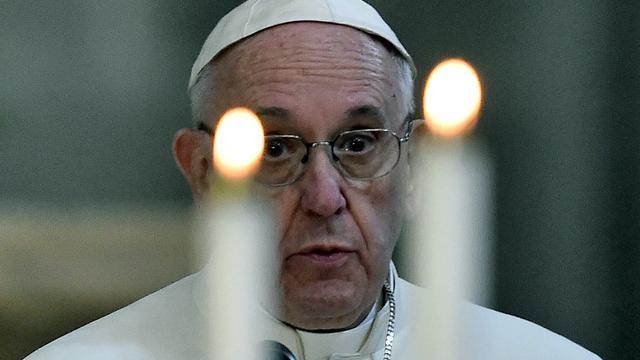 Paus wil straffen bij nalatigheid melden misbruik