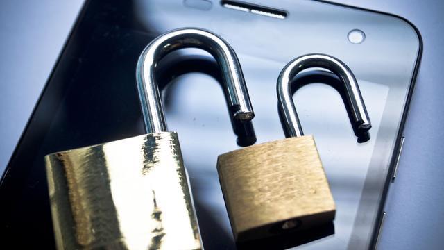 'Smartphone via computer opladen gevaarlijk om malware'