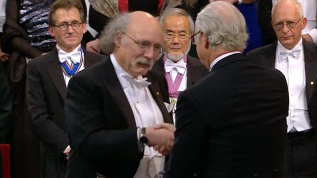 Nobelprijswinnaars nemen onderscheiding in ontvangst