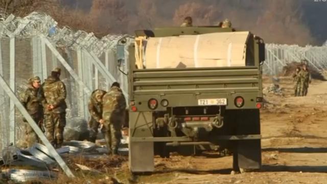Macedonië verstevigt grenshek Griekenland