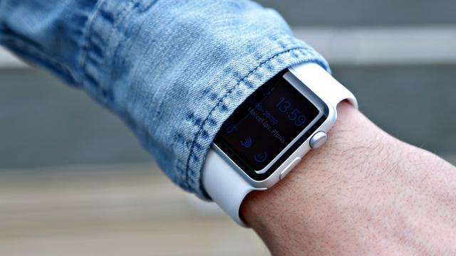 'Waterdichte Apple Watch 2 met GPS eind dit jaar gelanceerd'