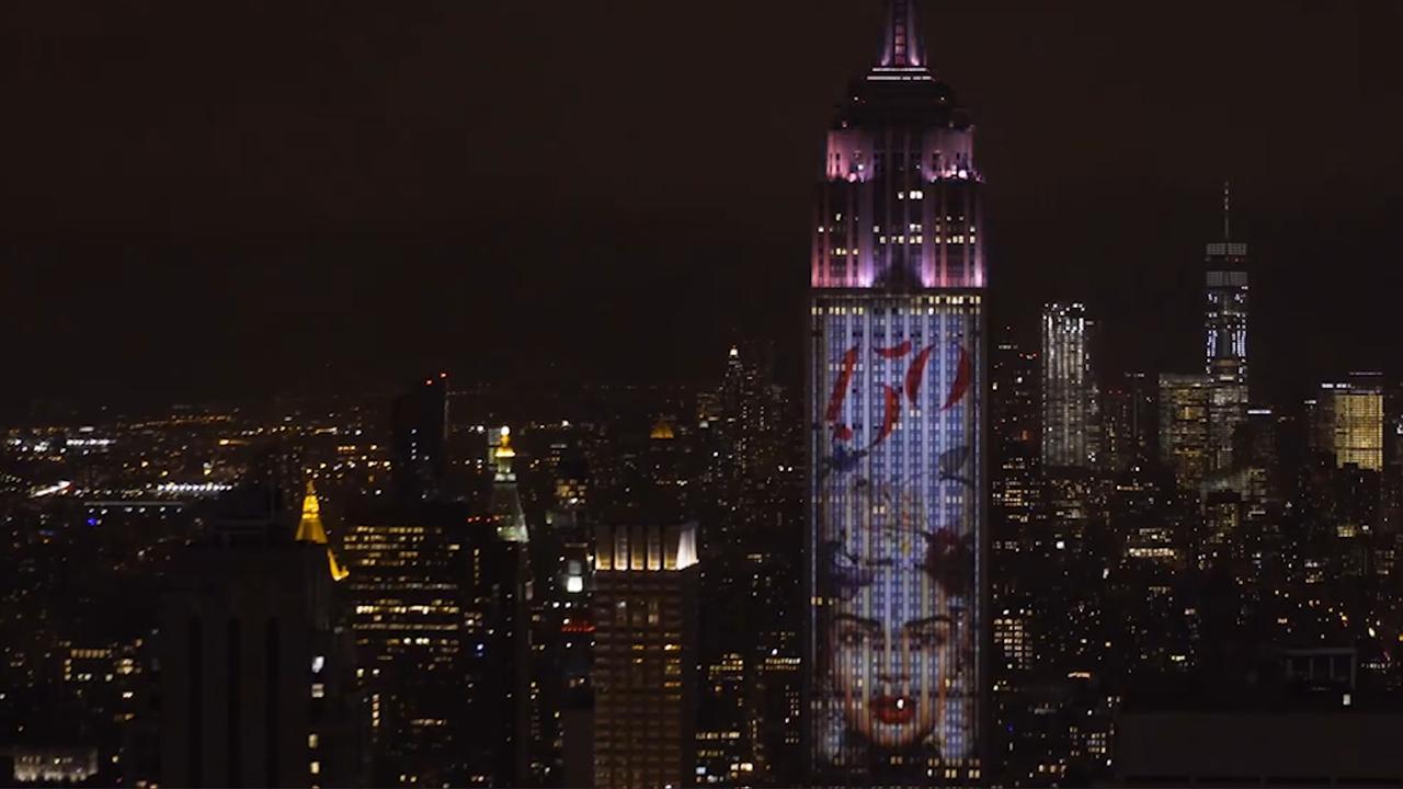 Harper's Bazaar viert 150e verjaardag met fotoprojecties op Empire State Building