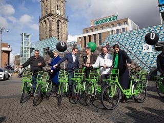 Honderd Groningers kunnen fietsen reserveren en gebruiken