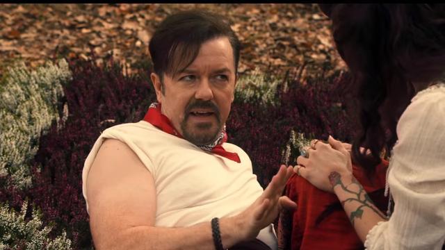 Ricky Gervais zingt liedje als zijn The Office-karakter