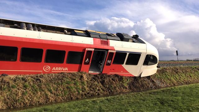 N361 nog lang dicht voor berging ontspoorde trein