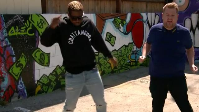 Usher geeft James Corden dansles en zingt in auto