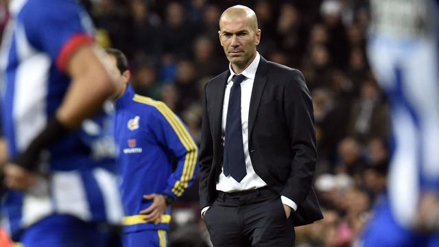 Zidane begint met ruime zege bij Real, hattrick Messi voor Barcelona