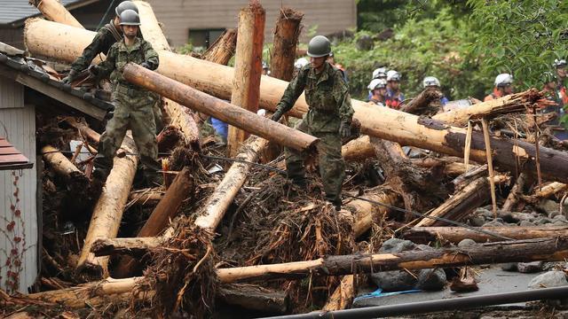 Zeker 15 doden door overstromingen in zuiden Japan