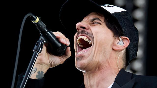 Red Hot Chili Peppers gelast weer concert af door ziekte zanger