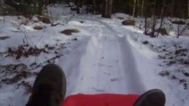 Amerikaan maakt eigen bobsleebaan in achtertuin