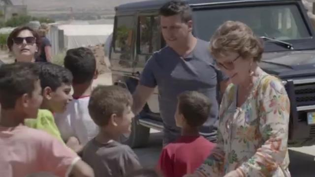 Prinses Margriet en Jan Smit bezoeken vluchtelingenfamilies in Libanon