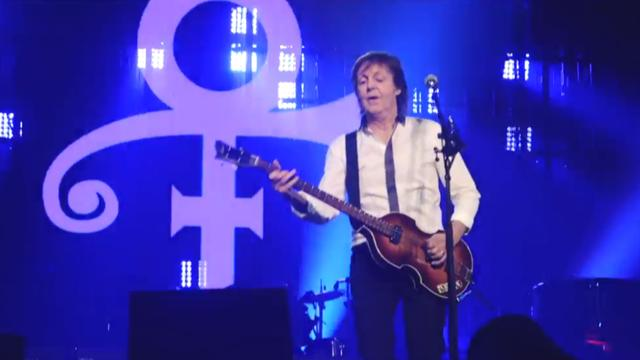 Paul McCartney eert Prince met Let's go crazy