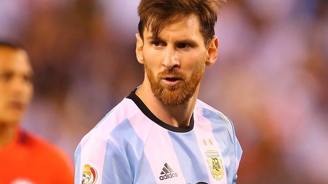 Messi bedenkt zich en keert terug als Argentijns international