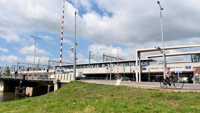 Vondelbrug bij Vaartsche Rijn drie nachten open door werkzaamheden