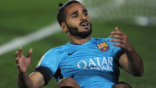 Barcelona moet geblesseerde Douglas twee maanden missen