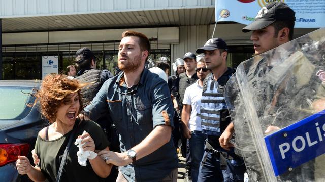 Erdogan vindt verlenging noodtoestand Turkije een goed idee