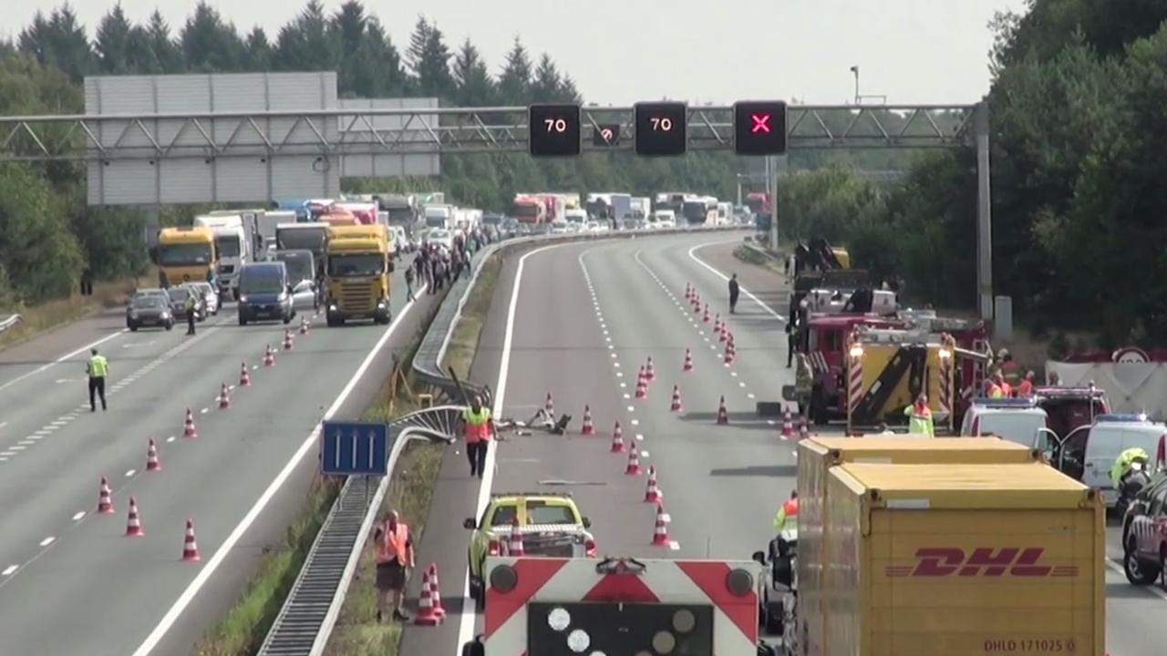 Lange files door ongeluk op A12