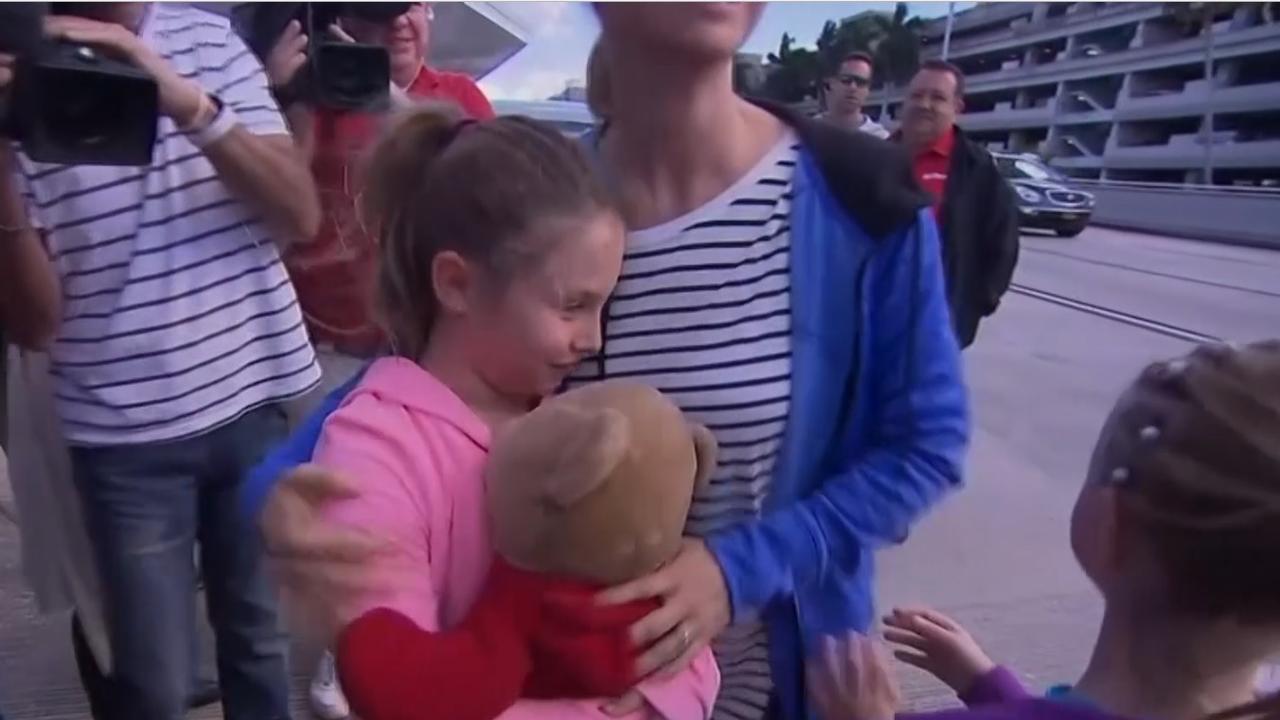 Meisje krijg teddybeer terug na schietpartij Fort Lauderdale