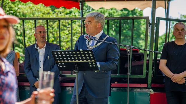 Burgemeester Jan van Zanen sprak bij de opening