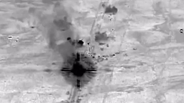 Luchtbeelden: Falluja onder vuur genomen