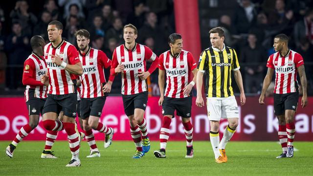 PSV legt druk in titelstrijd weer bij Ajax met overwinning op Vitesse