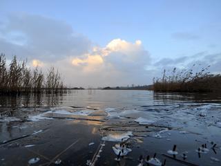 'Blijf weg van meren, sloten en kanalen'