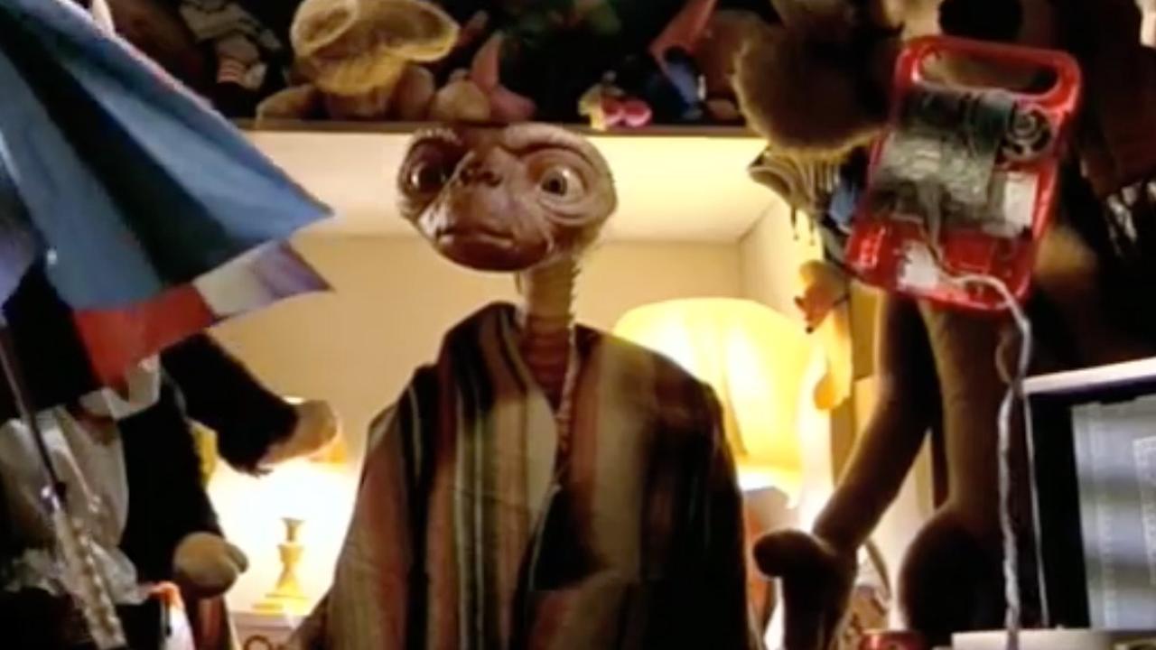 E.T. - trailer