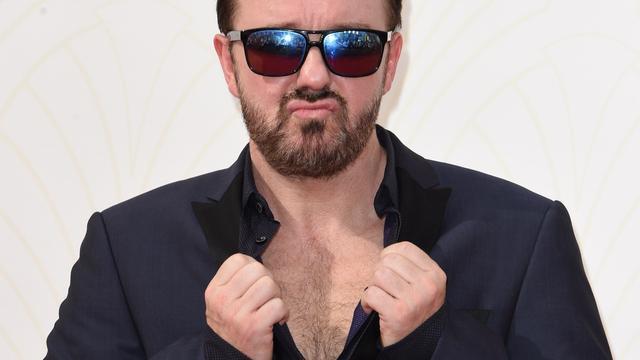 Ricky Gervais zit het liefst thuis op de bank