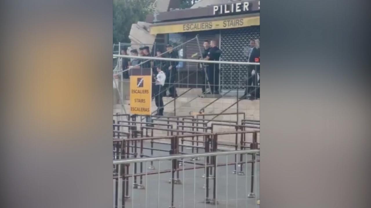 Gebied op en rond Eiffeltoren geëvacueerd