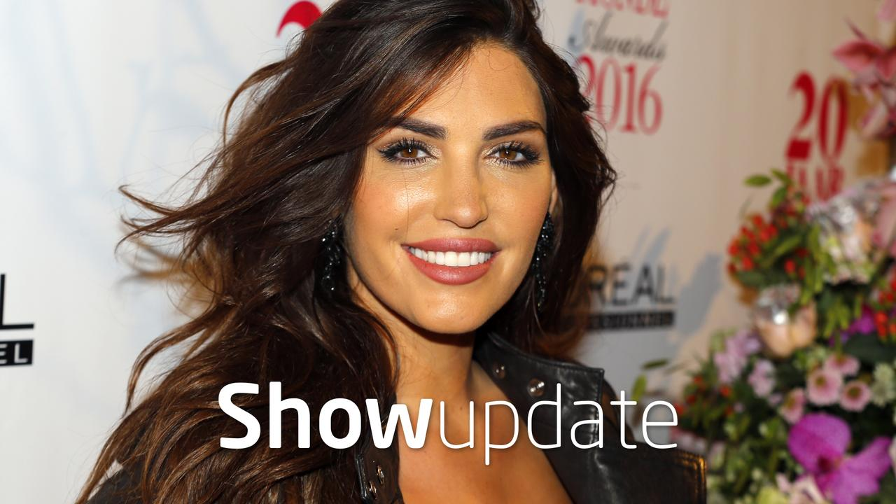 Show Update: Yolanthe showt sixpack