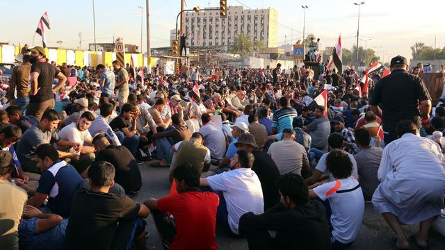 Mensen massaal de straat op tegen politieke crisis in Irak