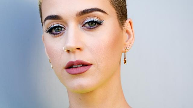 Katy Perry heeft als eerste persoon ooit honderd miljoen Twittervolgers