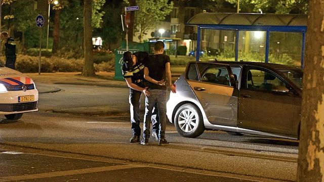 Politie houdt drie mannen aan voor auto-inbraken Alphen aan den Rijn