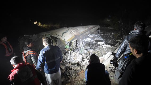 Geen overlevenden na neerstorten Pakistaans vliegtuig