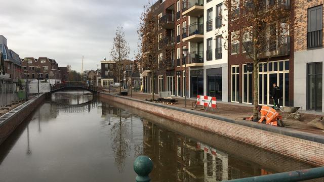 Gemeente regelt baggerwerkzaamheden in haventje aan de Lage Zijde