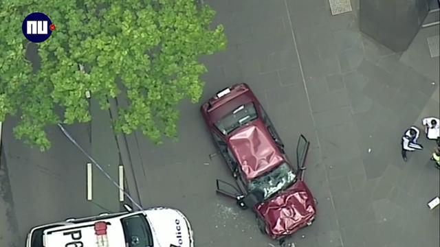 Doden en gewonden door inrijden auto op voetgangers in Melbourne