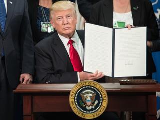 Republikeinse president stevent af op nog een verbroken verkiezingsbelofte
