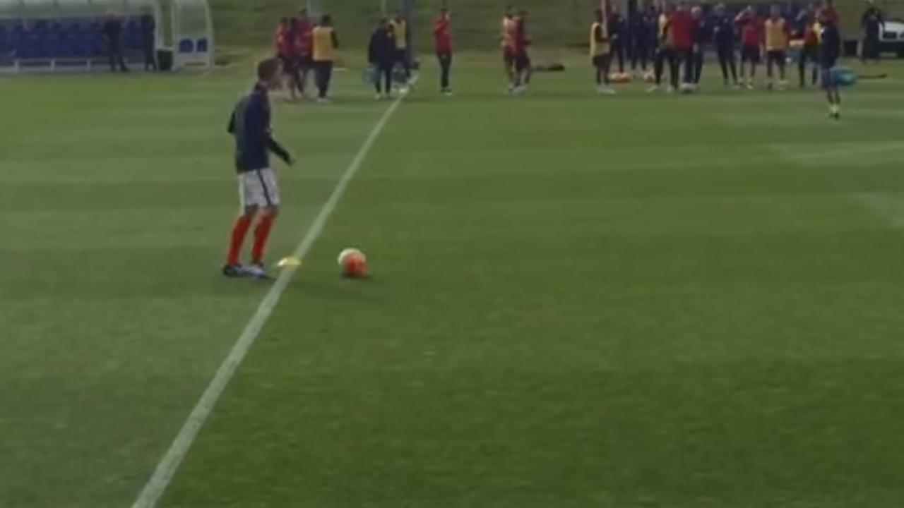 Man probeert mee te trainen met Engelse ploeg