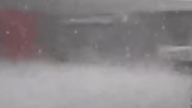 Chinees koppel komt in tornado en extreme hagelbui terecht